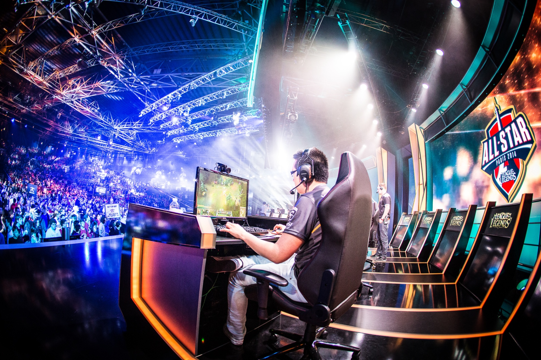 Meet People Who Earn Millions Playing Video Games Professionally
